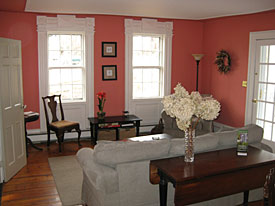 Living room at Eddington House Inn